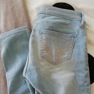Ett par ljus blå hollister jeans Nästan aldrig använda