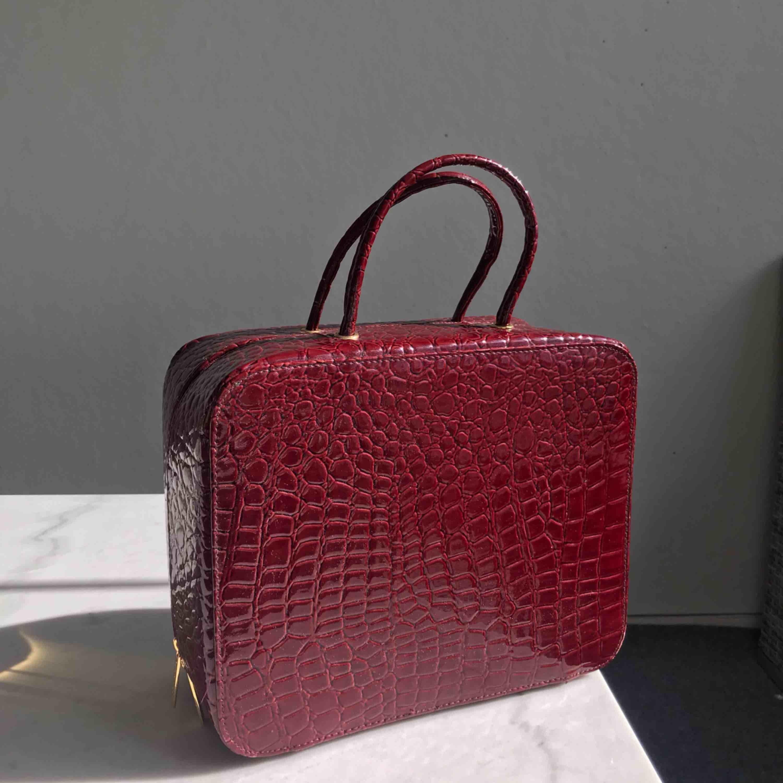 Väska,sminkväska,necessär från Estée Lauder. Aldrig använd.. Väskor.