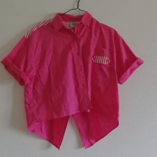Vintage polkaskjorta, cropped.