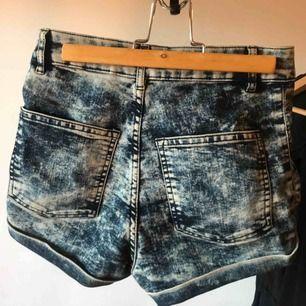 Super snygg shorts från H&M, tyvärr för små för mig, bra skick. Köparen står för frakten, tar swish