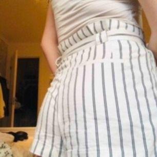 super coola shorts från zara! lite skrynkliga på bilderna för de legat i en låda!🥰