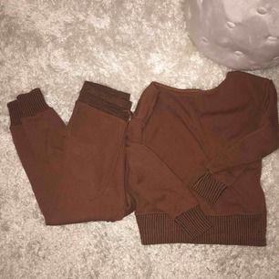 Använd 2 gg. Som ny! Knitwear set ifrån prettylittlething.