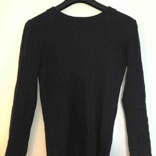 Fin mörkblå tröja från gina tricot, strl M fint skick