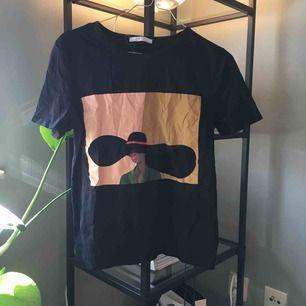 T-shirt från zara  Priset är inklusive frakt