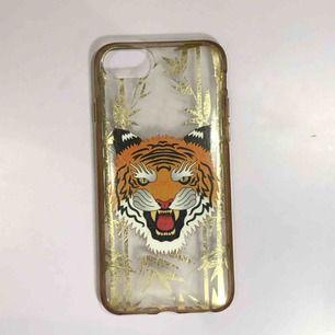 Supersnyggt iphoneskal som passar för iPhone 6, 6s, 7 & 8! Köpt i en telenorbutik, från märket Flavr.
