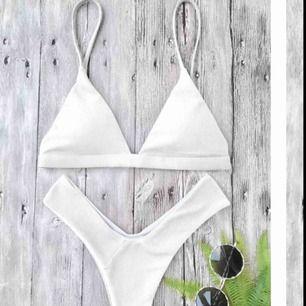 En oanvänd bikini från Zaful, endast provad. Prislapp finns kvar. Frakt tillkommer.  Hör gärna av dig om du vill ha mer bilder eller har frågor!