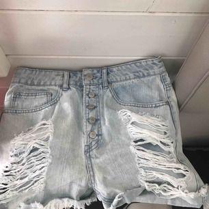 Säljer dessa shorts pga för stora nästan aldrig använda!