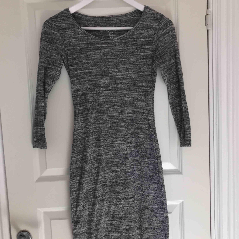 357ea1eaf447 Säljer denna super fina klänning från Hm nästan aldrig använd!. Klänningar.