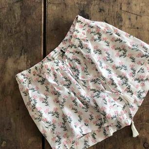 Superfina shorts (aldrig använda, lappen sitter kvar). Frakt ingår 💌