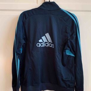 Track Jacket från Adidas. Använt skick