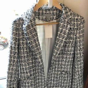 """Ny, oanvänd """"Chanel"""" jacka, otroligt stylish och tidlös"""