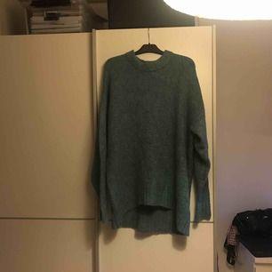 Jättefin stickad tröja har tyvärr inte använt den