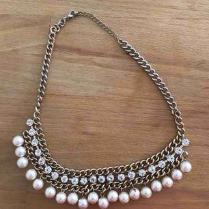 Halsband med stenar och pärlor, fint skick