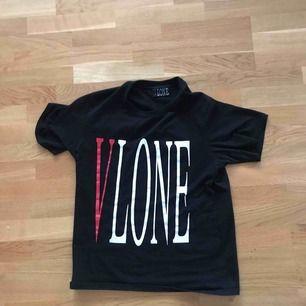 Bootleg vlone t-shirt. Köpt för 350kr.