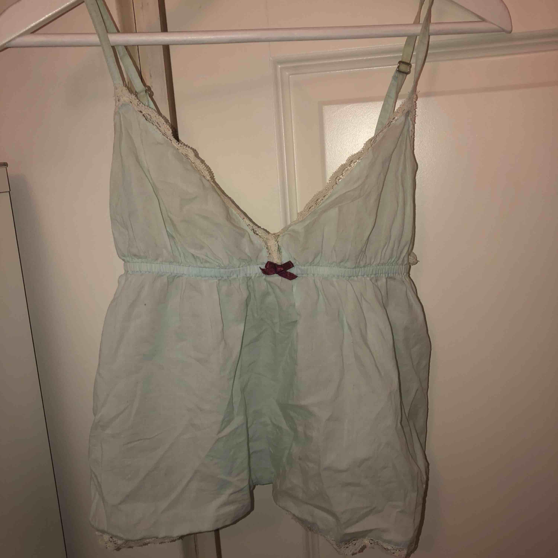 Odd molly linne i strl XS Köparen står för fraktkostnad. Toppar.
