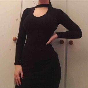 Snygg svart klänning, krm inte till användning