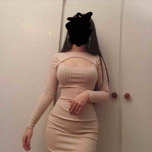 Klänning endast använd fåtal gngr!☺️