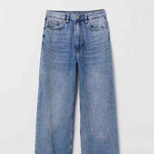 High wide leg jeans från HM i storlek 38. Endast använda ett fåtal gånger.  200 kr inkl frakt!