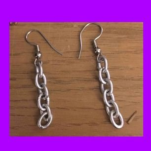 Skitfina silverörhängen! Perfekt kvalité och säljer pga har flera stycken. Jag står för frakt💓