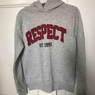 Mjuk och skön hoodie med fleece inuti