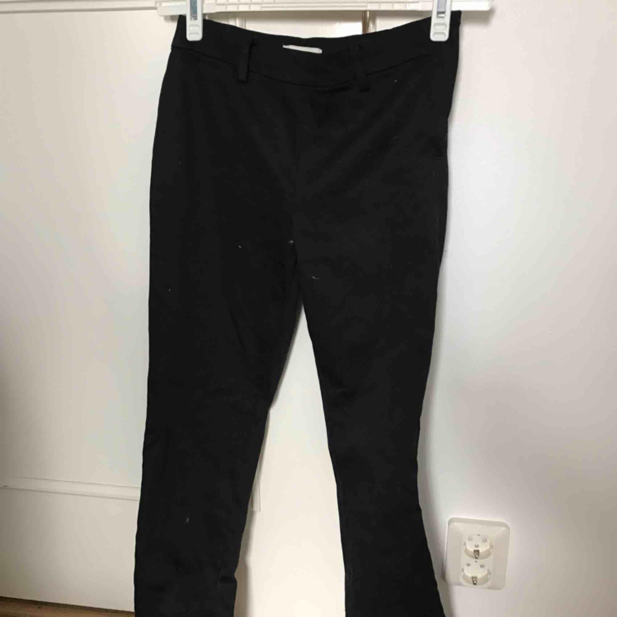 Snygga kostymbyxor, använda 1 gång . Jeans & Byxor.