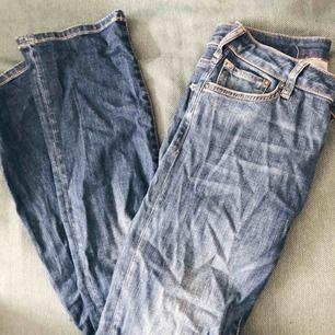 Bootcut jeans från Crocker. Skickas mot frakt eller möts upp i centrala Stockholm.