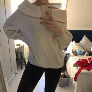 Superfin och bekväm stickad tröja från HM, använd någon enstaka gång.