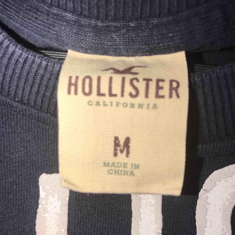 T-shirt från Hollister 80kr. Köparen står för frakt ✨. T-shirts.