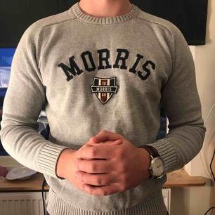 En stickad tröja från Morris i storlek M. Använd ett fåtal gånger. Bra skick! Köparen står för frakten.