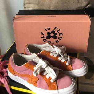Converse One Star x Golf Le Fleur köpta på sneakersnstuff. Möts upp i Sthlm annars står köparen för frakt <33