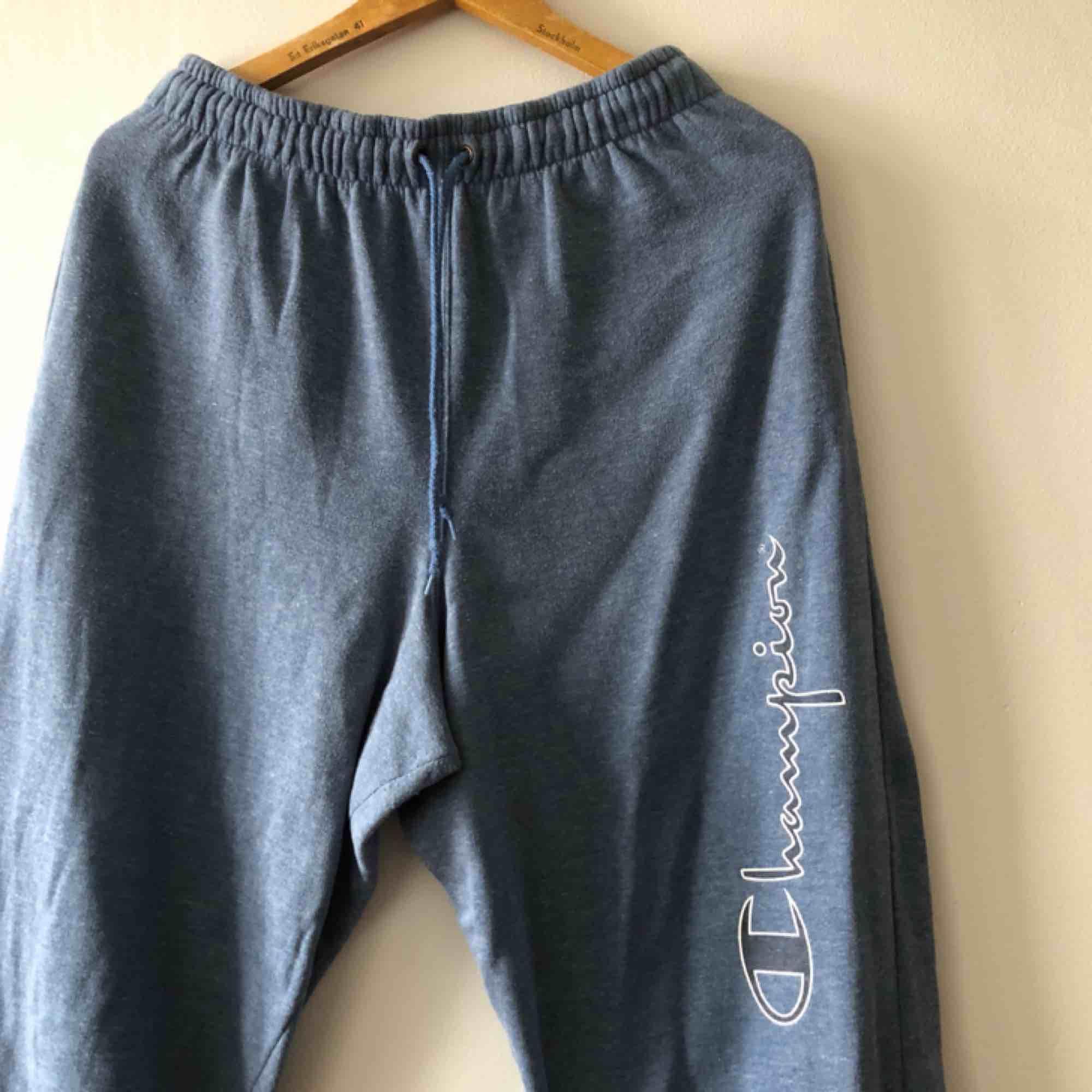 Seeatpants Champion. Äldre modell sannolikt från slutet av 90-talet. . Jeans & Byxor.