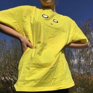 Polar co skate eyes tee t-shirt. !!! Helt oanvänd!!! Nypris ca 500 kr. Priset kan diskuteras!