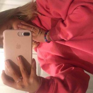 jättemysig rosa hoodie från bikbok. endast använd 2 gånger.