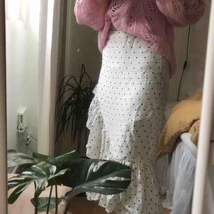 Prickig kjol från hm, köpare står för frakt, kan mötas!