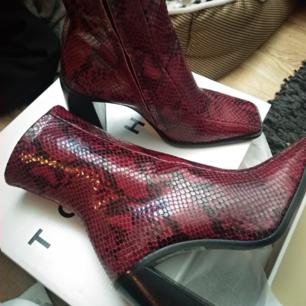 Nya skor i kartong från Topshop. Strl 38