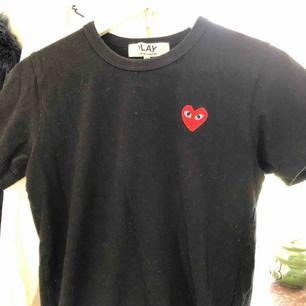 Bra kvalité, köpt på nätet från Dovert Street Market! Storlek M (små i storlekarna) Säljer för 450kr