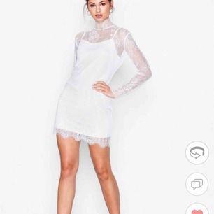 En OANVÄND klänning från Motel, beställd på Nelly.com det är en under- och överklänning mycket fin och helt oanvänd. Köpt för 499kr  Skriv för mer info 🌼