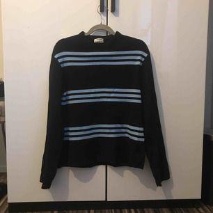 Acne Studios stickad tröja/knitwear köpt på deras egna hemsida!   Använd ett fåtal gånger.  Nypris: 2500kr   Pris går att diskutera! :)