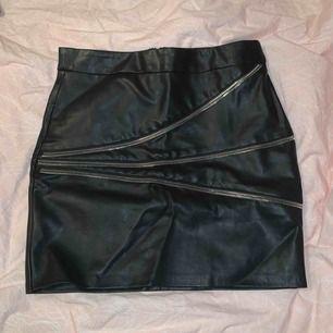 Så snygg kjol ifrån zara! Passar inte mig längre:((