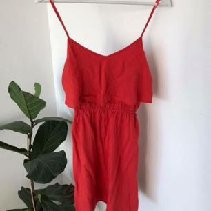 Söt klänning från HM x Coachella  Frakt tillkommer :)