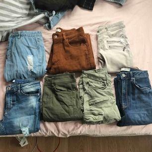 Olika jeans i storlekar mellan 34-36, även ett par som är W26.L32. Pris mellan 50-150 beroende på hur mycket använda, några av paren är helt nya. Vid intresse kan fler bilder skickas