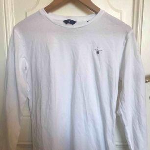 Gant tröja i bra skick(använt enstaka gång) Trekvartarm Orginal pris ca 450kr