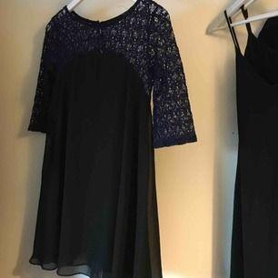 Supersöt klänning från TFNC London Fraktar för 20kr