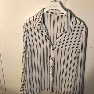 Aldrig använt skjorta Väldigt fin design
