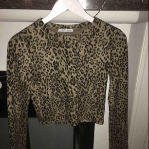Lejopard tröja från zara i ett lite tjockare material