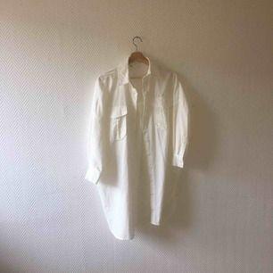 Lång Manchesterskjorta från Zara, använd ett fåtal gånger