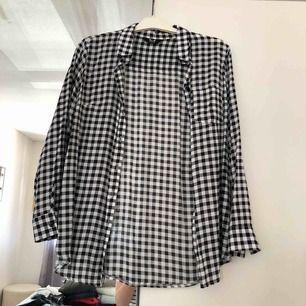 Skjorta köpt i England. Frakt tillkommer