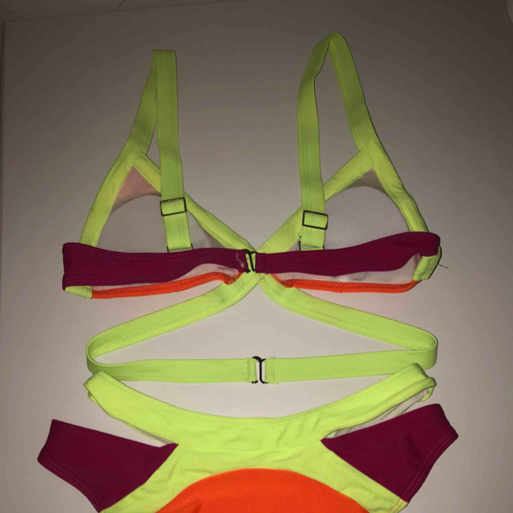 Ett supersött bikiniset från Zaful. Står som storlek M vilket motsvarar ca S i verkligheten. Helt oanvänd.. Toppar.