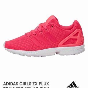 🎀 säljer dessa balla sneakers/träningsskor! 🎀 jätte sköna att träna i! 🎀 väldigt gott skick!