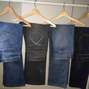Jeans i olika storlekar. Säljes billigt, superbra skick på alla då de knappt använts !